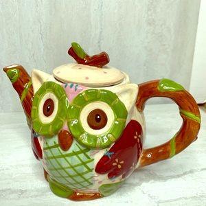 Pier 1 Ollie the Owl teapot mint condition